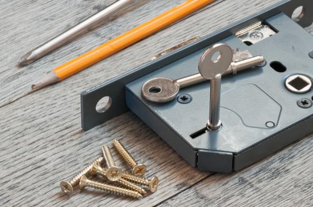 lock fitting